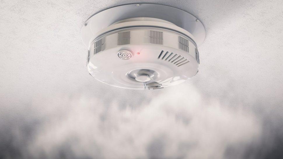 датчик дыма в системе умного дома в канадском доме