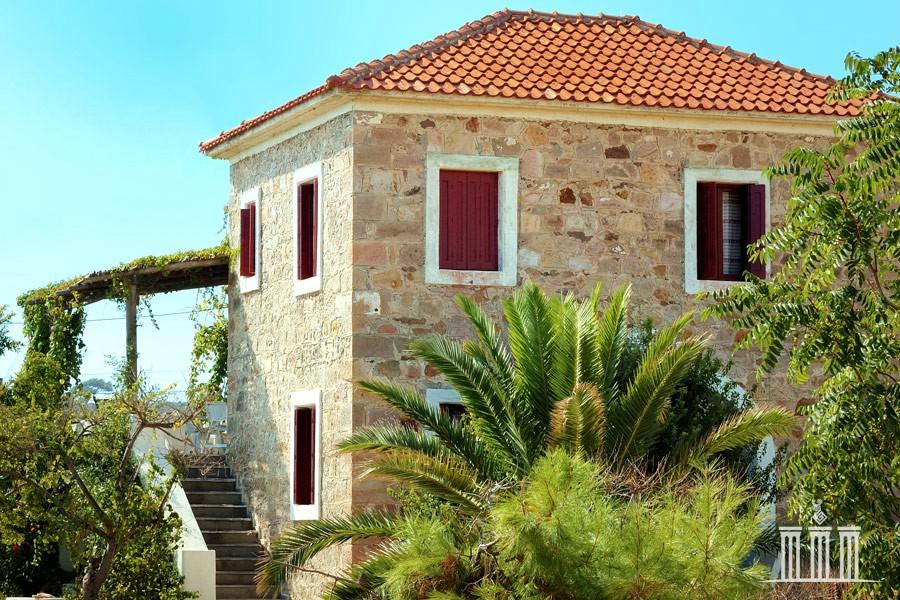 фасад греческого дома