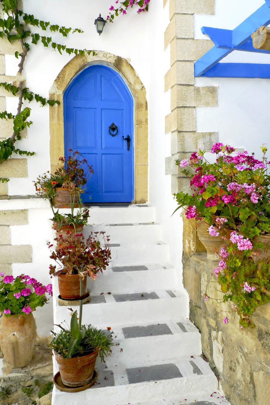 крыльцо греческого дома