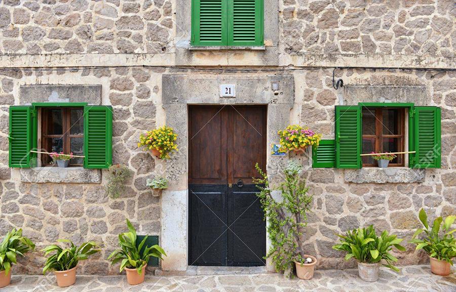 средиземноморский фасад для канадского дома.