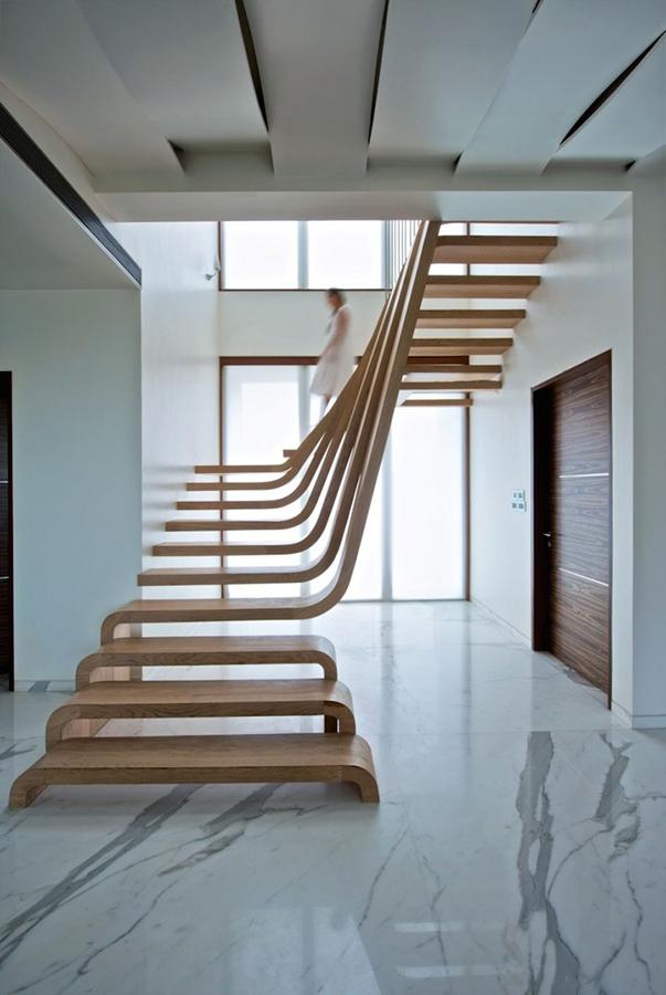 помощь в выборе лестницы.