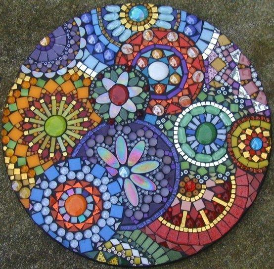 садовая дорожка яркая мозаика