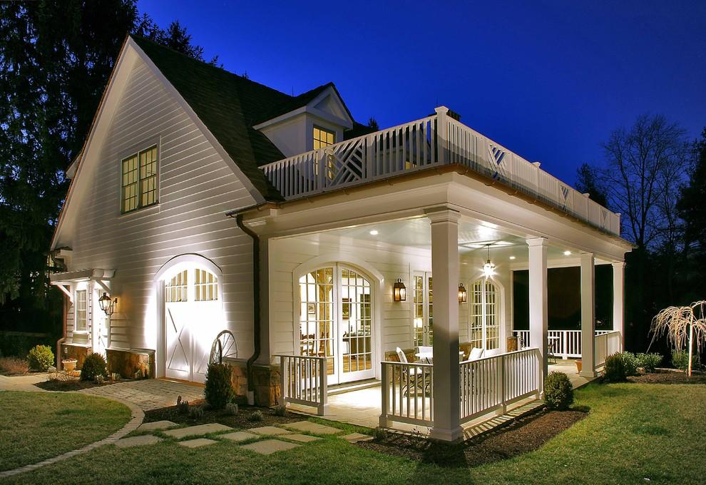 белая терраса в доме из сип панелей