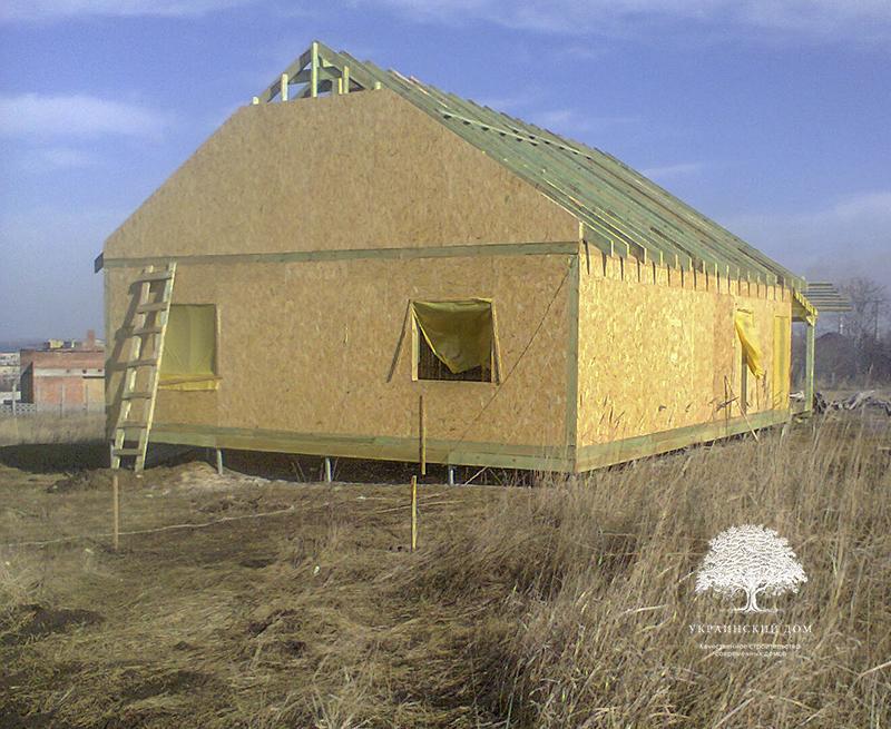"""Канадский дом из сип панелей - объект компании """"Украинский дом"""" в Днепропетровске - подшивка чердака"""