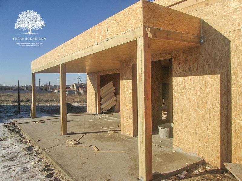 """Канадский дом из сип панелей - объект компании """"Украинский дом"""" в Юрьевке - к началу зимы дом почти готов! Осталисьокна, двери и фасадные работы"""