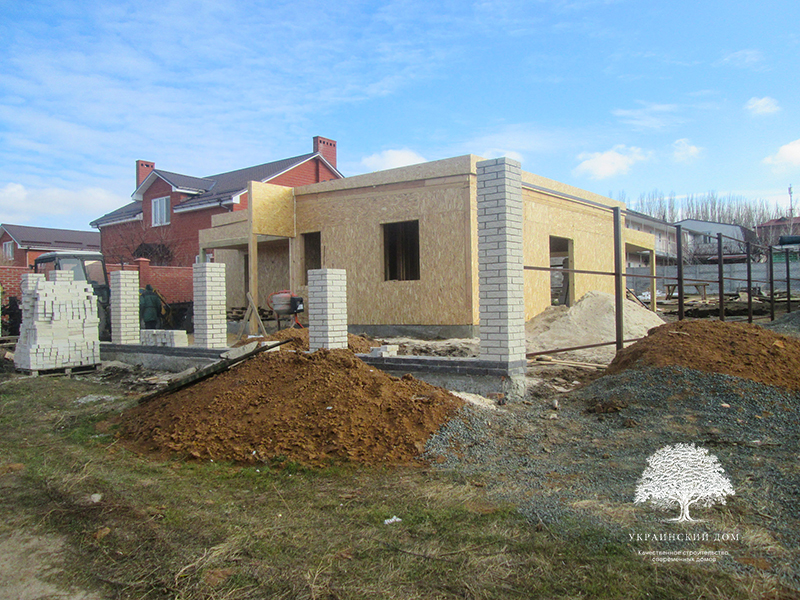"""Канадский дом из сип панелей - объект компании """"Украинский дом"""" в Юрьевке - забор"""