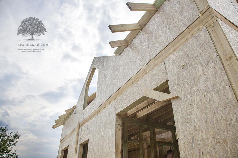 """Монтаж мансардного этажа - канадский дом из сип панелей в Миргороде - готовые объекты строительной компании """"Украинский дом"""""""