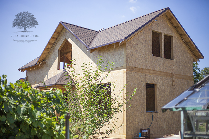 """Дом ждет окон - канадский дом из сип панелей в Миргороде - готовые объекты строительной компании """"Украинский дом"""""""
