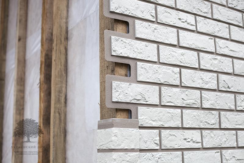 """Канадский дом из сип панелей - объект компании """"Украинский дом"""" в с. Курортное - фасад в процессе монтажа"""