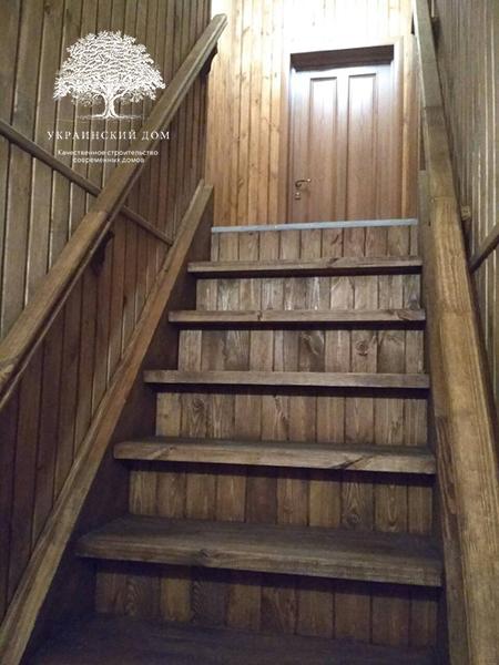 """Канадский дом из сип панелей - объект компании """"Украинский дом"""" в с. Курортное - лестница на мансардный этаж"""