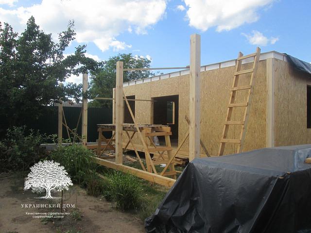 Канадский дом под ключ из сип панелей в Запорожье - строительная площадка - домокомплект в процессе сбора