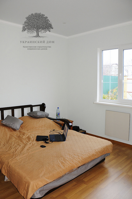 Канадский дом под ключ из сип панелей в Запорожье - готовый дом Спальня